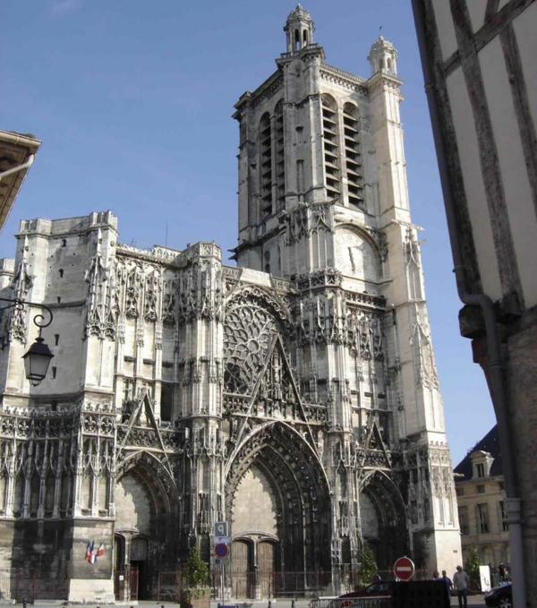 L architecture gothique pour votre demeure for L architecture gothique