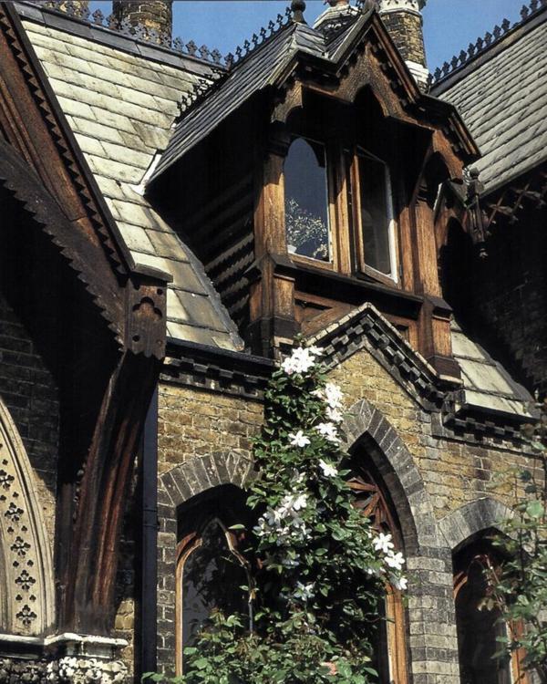 1-architecture-gothique-maison