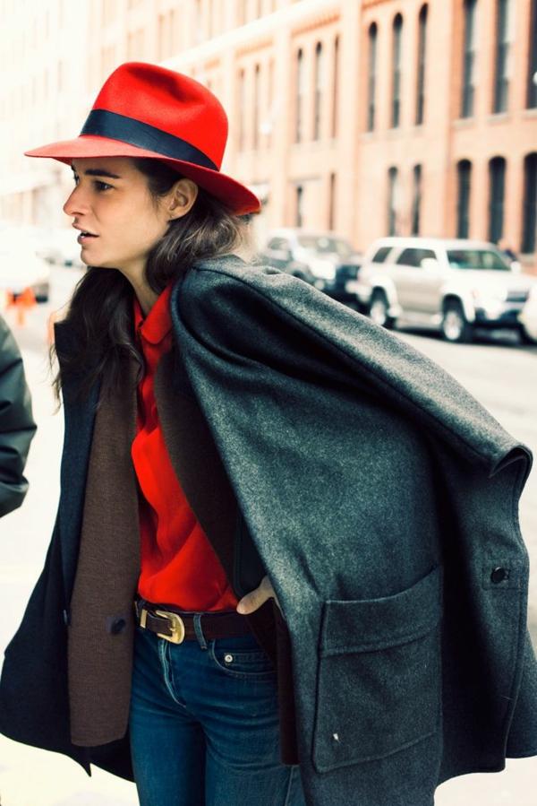 1-chapeau-en-feutre-rouge-fille
