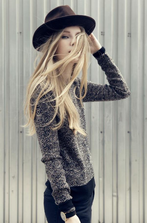 1-chapeau-feutre-blonde
