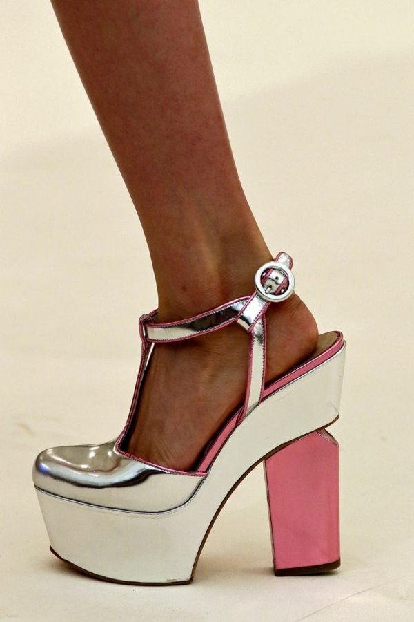 1-chaussures-à-talon-blanc-rose