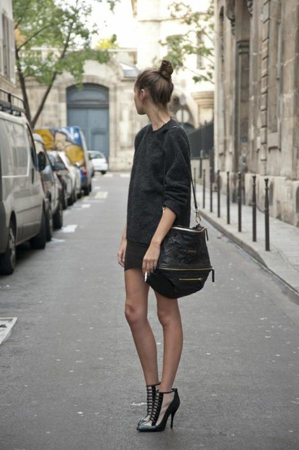 1-chaussures-à-talon-haut-avec-robe-courte