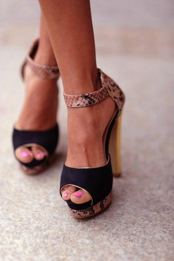 1-chaussures-à-talon-haut-noir-cuir