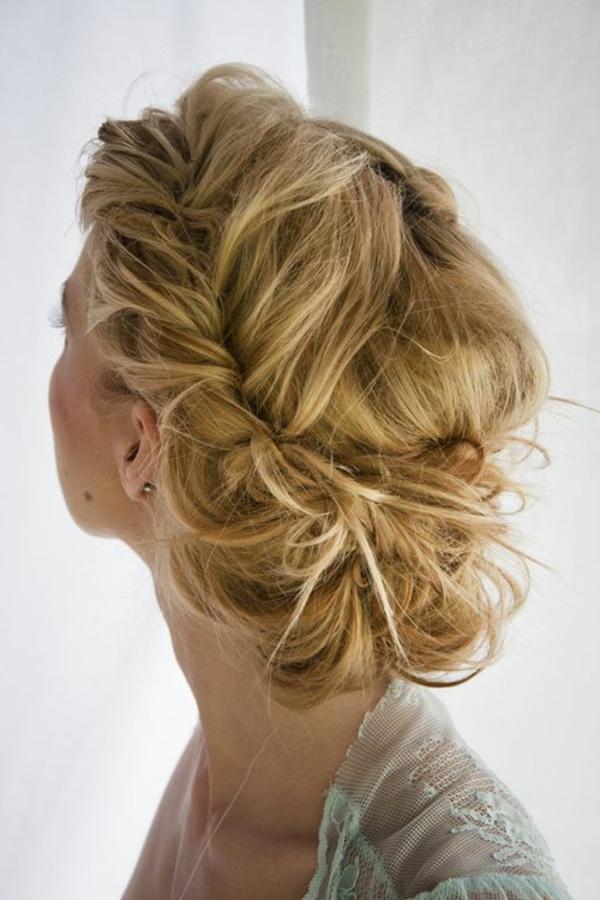 1-chignon-romantique-blonde