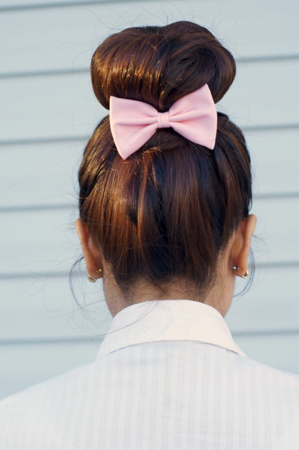 1-chignon-romantique-brunette