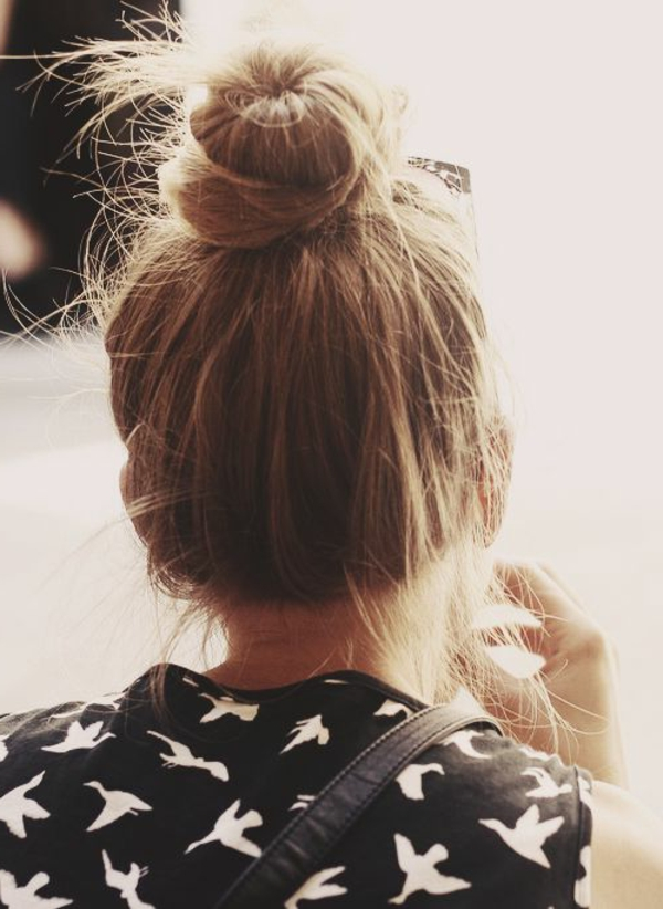 1-chignon-romantique-cheveux-marron