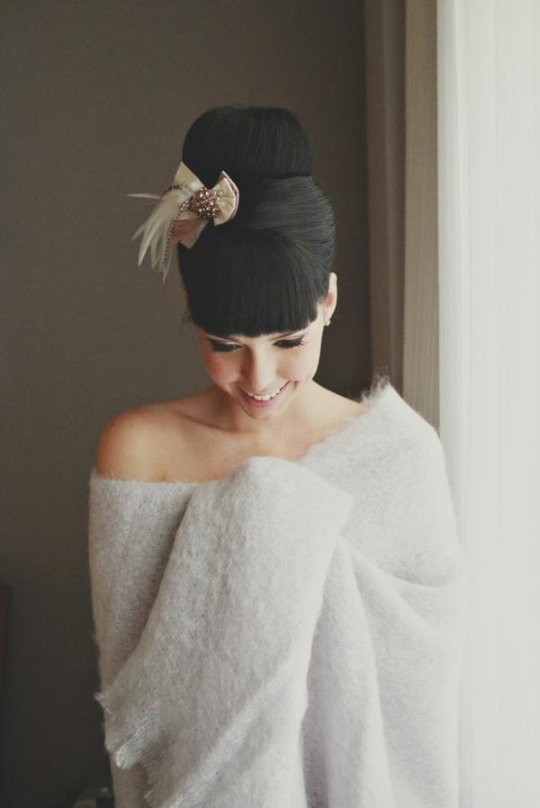 1-chignon-romantique-cheveux-noir