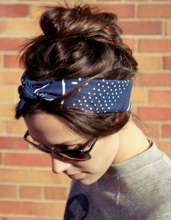 1-chignon-romantique-tendance-moderne-cheveux