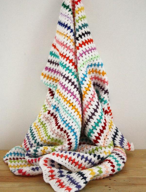 1-couverture-au-crochet-mur