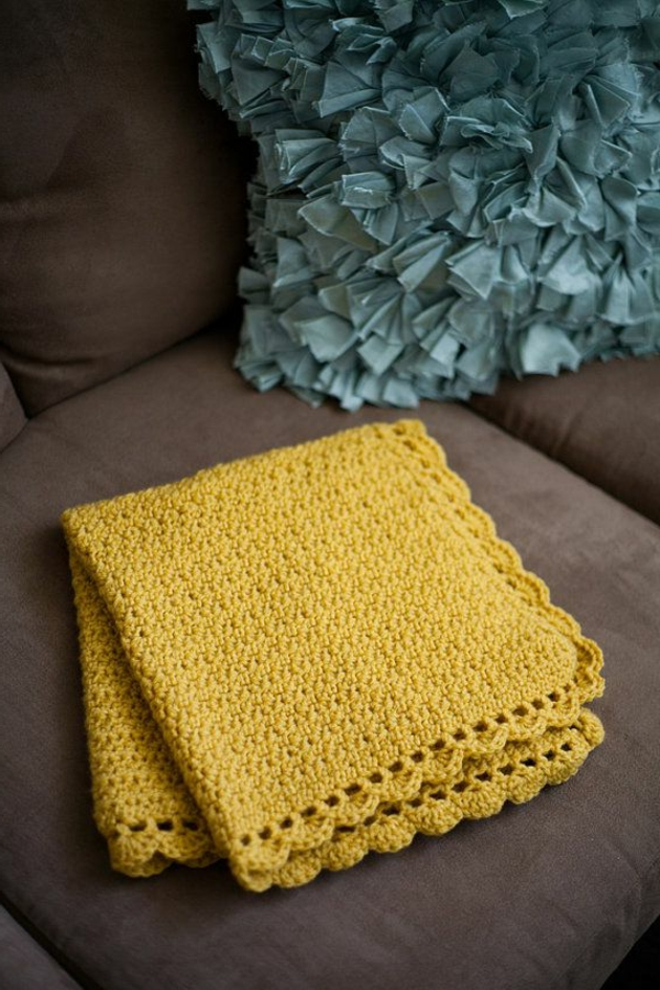 1-couverture-crochet-jaune-tricoté