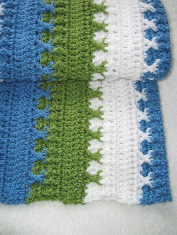 1-couverture-tricoté-blanc-bleu-vert