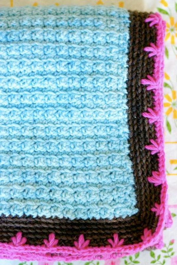 1-couverture-tricoté-rouge-bleu