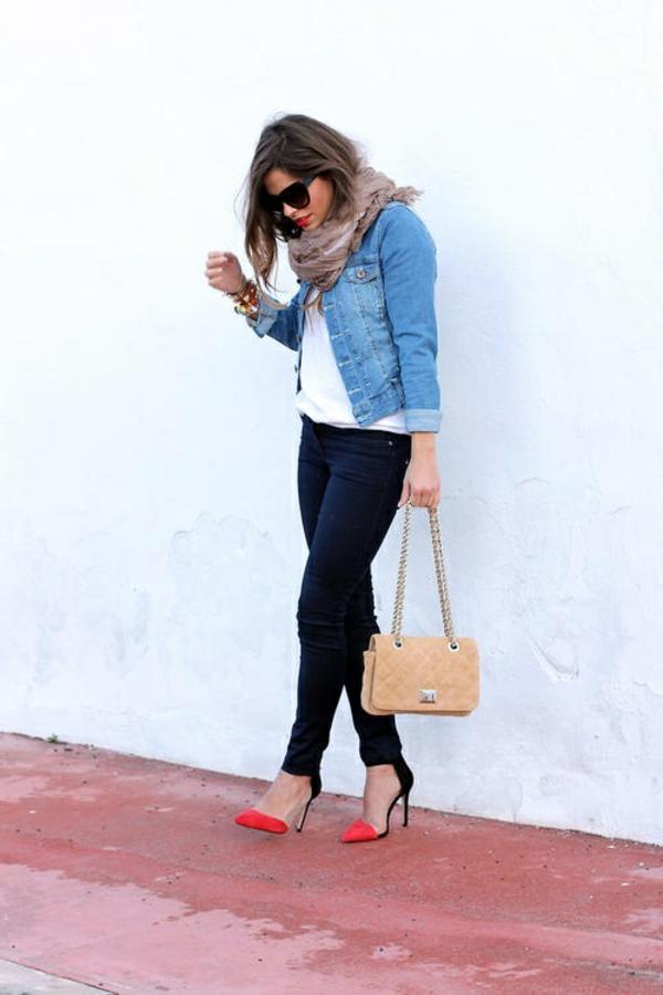 1-denim-avec-chaussures-à-talons-hautes