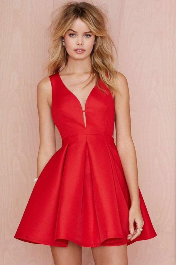 1-robe-de-soirée-rouge-blonde