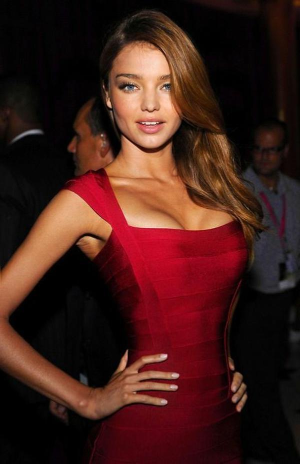 1-robe-de-soirée-rouge-courte-femme