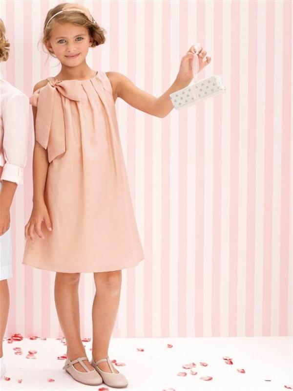 1-robe-rose-petite-fille