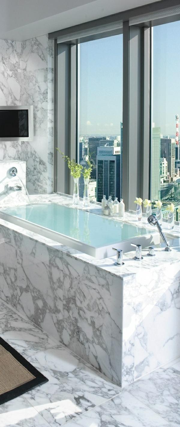 1-salle-de-bain-avec-belle-vue