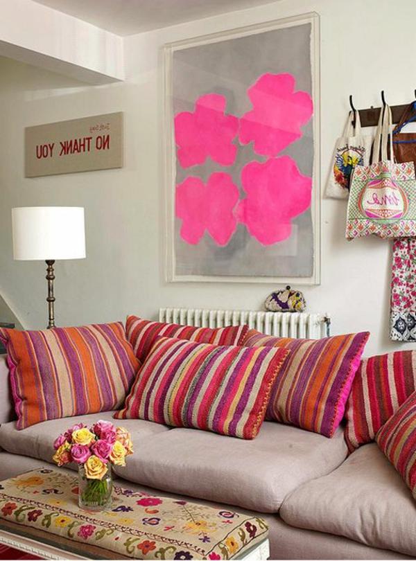 1-sofa-coloré-coussins