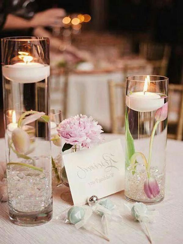 2-bougie-avec-des-fleurs-décoration