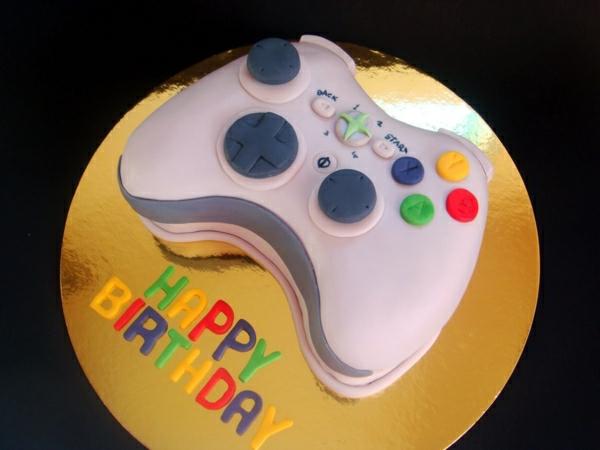 3-gateau-original-anniversaire-délicieux-jeux-vidéo-console-PSP-Nintendo-Wii-resized