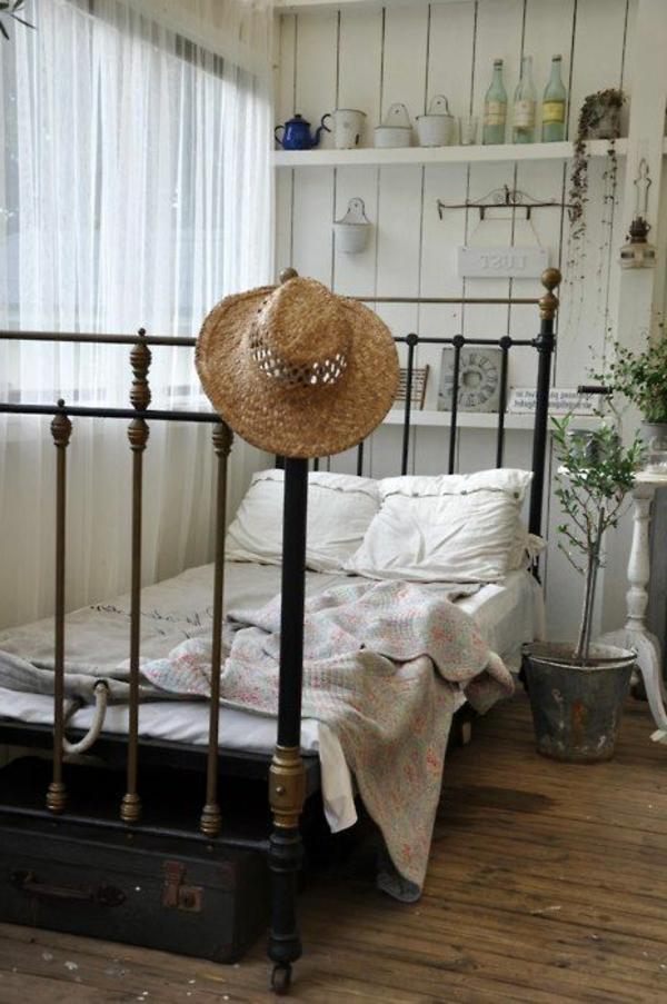 3-lit-en-fer-luxe-chambre