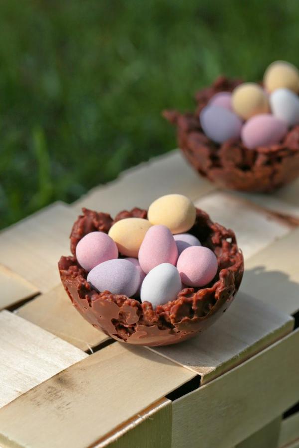panier-au-chocolat-avec-des-oeufs-dedans
