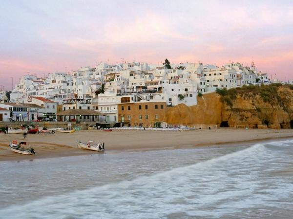 Algarve-Portugal-Albufeira-paysage-la-mer-les-maisons-blanches-resized