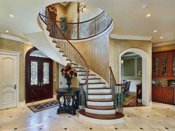 Beau-antique-circle-bois-table-avec-fleurs-vase-decorer-idées-Under-A-Classique-Classy-Stairs-Design-Les-escaliers-colimaçons