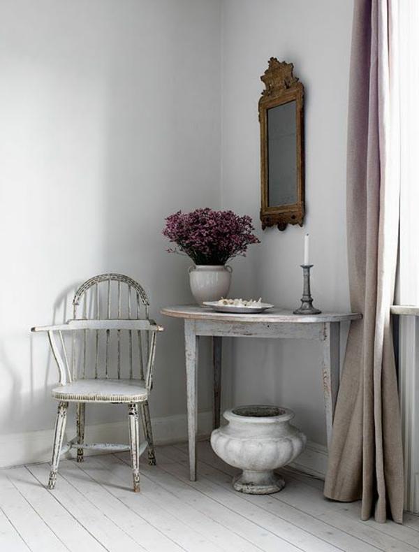 Chic-et-sobre-avec-le-style-Gustavien-salon-resized