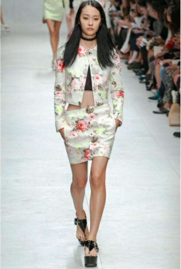 Cropped-floral-print-stretch-cotton-jacket--RUNWAY-mode-prêt-à-porter