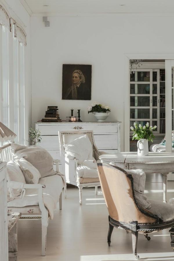 Décoration-salon-bien-aménagé-en-style-gustavien