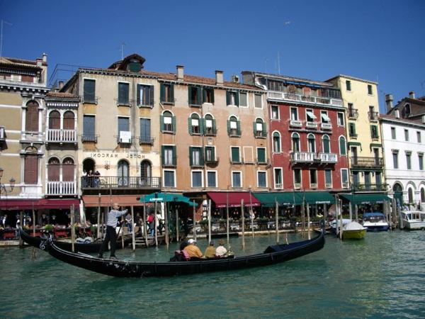 La-jolie-ville-de-Venise-que-voir-les-bâtiments-resized