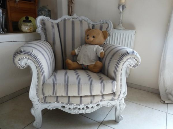 le style gustavien pour un int rieur chic et sobre. Black Bedroom Furniture Sets. Home Design Ideas