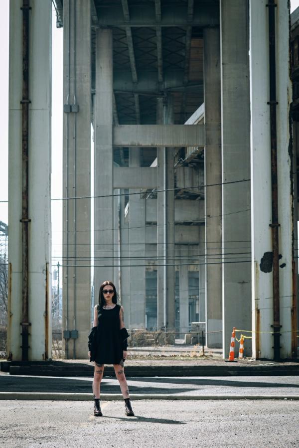 Petite-robe-noire-photo-industrielle