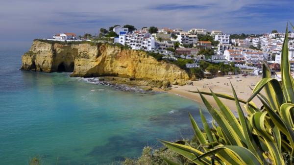 Portugal-paysage-de-l'océan-et-les-maisons-resized