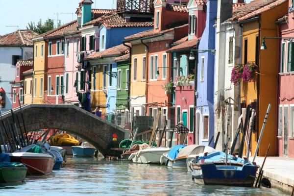 Venise-visite-à-ne-pas-manquer-balade-des-couleurs-resized