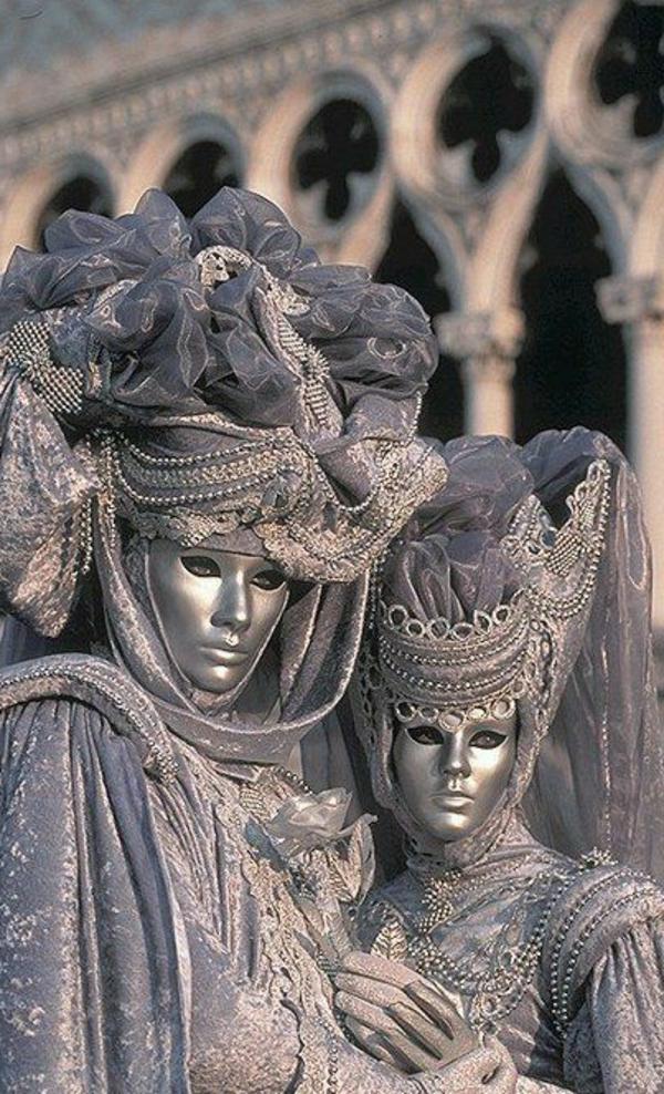 Venise-visite-à-ne-pas-manquer-le-mascarade-resized