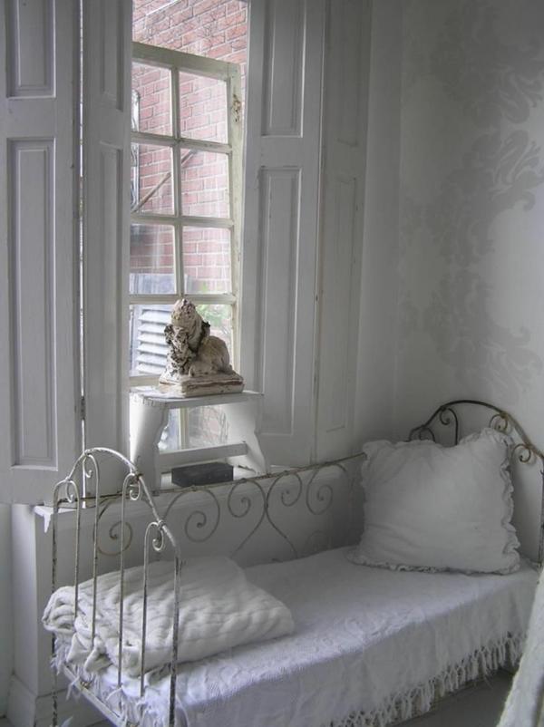 Vintage-style-de-gustave-inspiration-intérieur-chambre-à-coucher-blanche