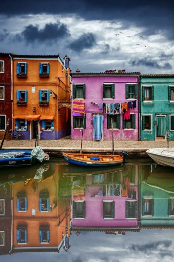 Visite-Venise-joli-cité-romantique-et-historique-le-soirée-en-couleur