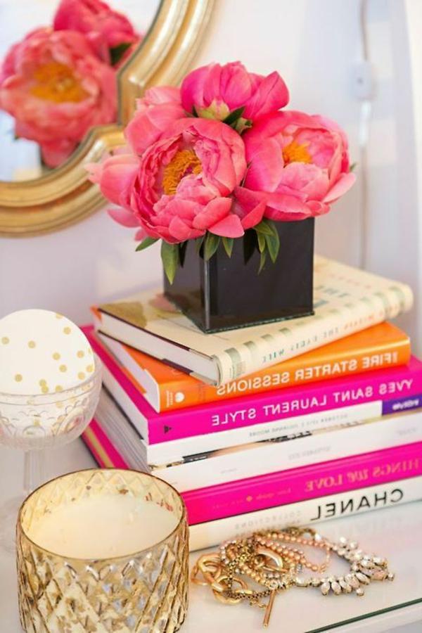 décorer-sa-chambre-ambiance-décoration-bougie-candle-fleur-rose-livres