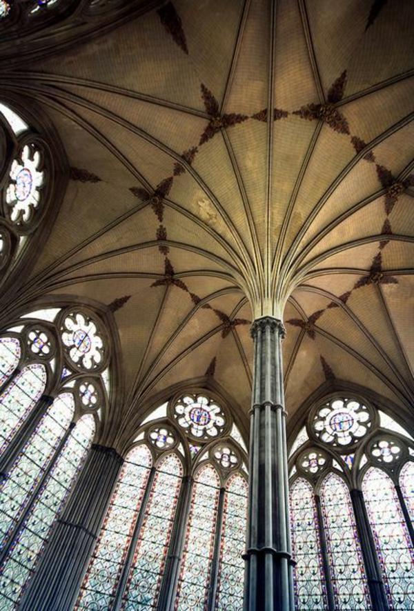 architecture-gothique-toit-gothique