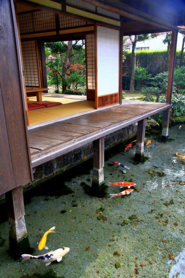 architecture-japonaise-maison-flottante