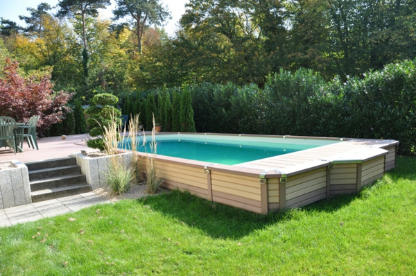 Votre piscine semi enterr e 30 id es cr atives for Piscine rectangulaire en bois