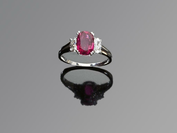 bague-argent-pierre-rubis-grande-valeur