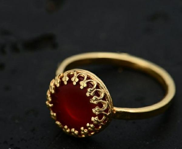 bague-rubis-rouge-accessoire-pour-des-reignes