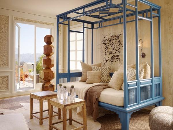 banquette-lit-bleue-avec-tonnelle-designs-spectaculaires-pour-l'intérieur