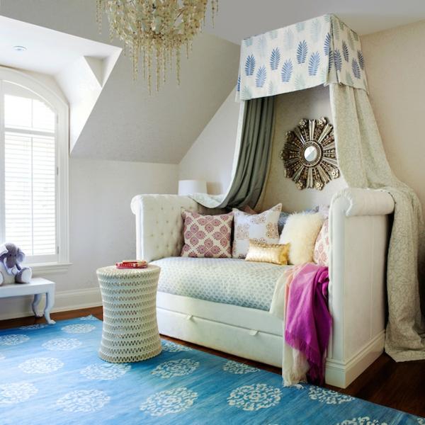 la banquette lit id es pratiques pour l 39 int rieur. Black Bedroom Furniture Sets. Home Design Ideas