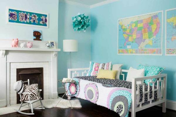 banquette-lit-une-chambre-d'enfant-bleue