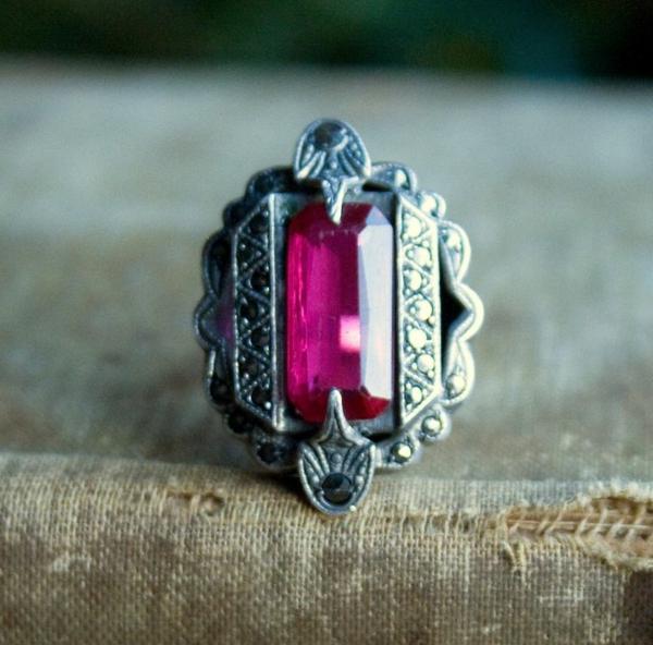 bijou-bague-rubis-rouge-accessoire