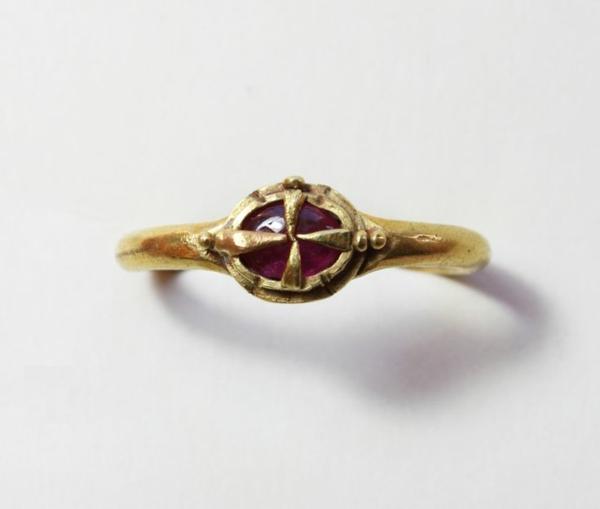 bijou-or-et-rubis-royal-valable